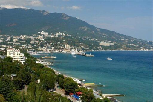 Россияне назвали главные минусы отдыха в Крыму и Сочи