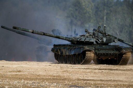 Шойгу сообщил о планах модернизации всех танков Т-72 до уровня Т-72Б3
