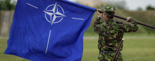 «Отдаём себя на волю Путина»! — на Украине в панике из-за проблем с НАТО (ВИДЕО)