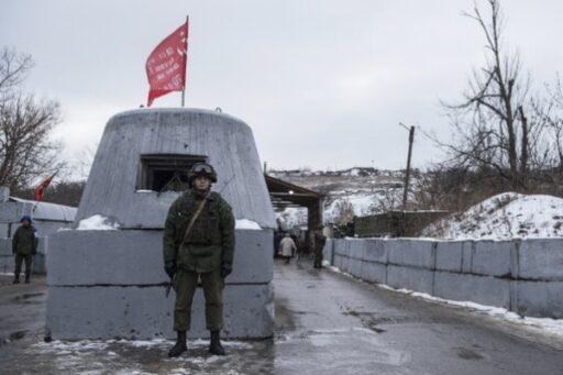Представители ЛНР с группой пленных выехали на обмен с Украиной