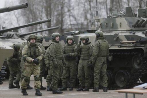 Псковские десантники получили седьмой батальонный комплект боевой техники