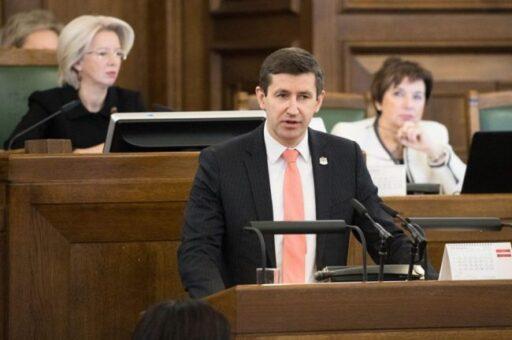 Выступление депутата Домбровского в парламенте Латвии
