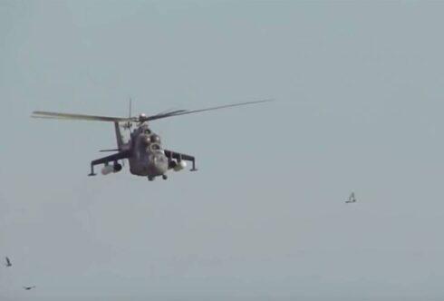 Показаны кадры, как Ми-35М пытался напугать курдских «активистов» на севере Сирии