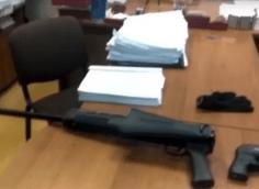 Мужчина открыл стрельбу в здании мирового суда в Новокузнецке
