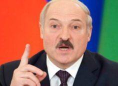 Зачем Александр Лукашенко надел разгрузку и взял в руки потёртый калаш?