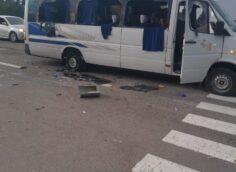 """Украинские каратели из """"Азова"""" расстреляли автобус с людьми"""