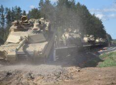 «Первая ветка к Восточному валу»: в Литве танки «Абрамс» доставлены по новой колее к границе Беларуси