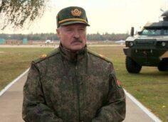 https://alex-news.ru/ostanovite-svoih-bezumnyh-politikov-lukashenko-zakryvaet-granitsu-s-ukrainoy-polshey-i-litvoy-i-perebrasyvaet-voyska-video/