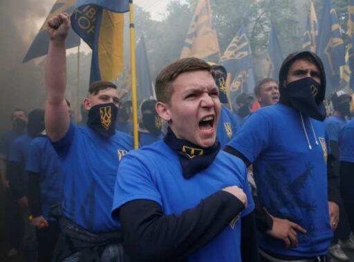 https://alex-news.ru/natsisty-prishli-k-zelenskomu-foto-video/