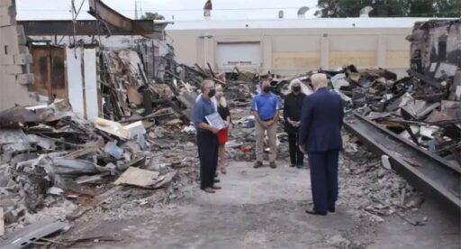 Трамп на развалинах города Кеноша: Это внутренний терроризм