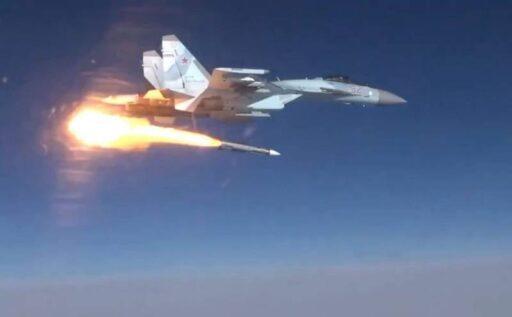 Су-57 впервые показали с новейшей ракетой «Изделие 180»
