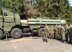 В Сети появилось видео пуска ЗУР 9М96 с шасси МЗКТ-7930 ЗРС С-400