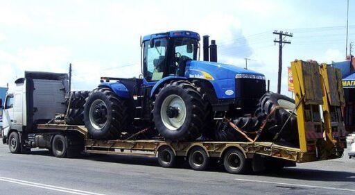 Почему перевозку тракторов нужно доверить профессионалам?